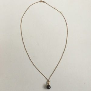 Jewelry - Black cultured Pearl Necklace in 14 kt Gold